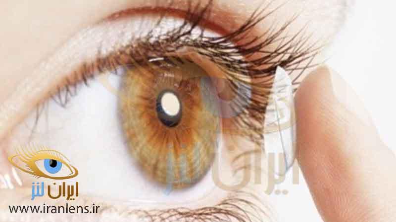 لنز مناسب چشم قهوه ای