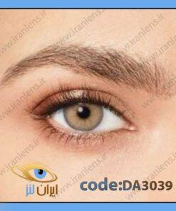 لنز چشم رنگی زیبایی عسلی فندقی روشن وسط عسلی دوردار فصلی تندر هیزل برند دسیو