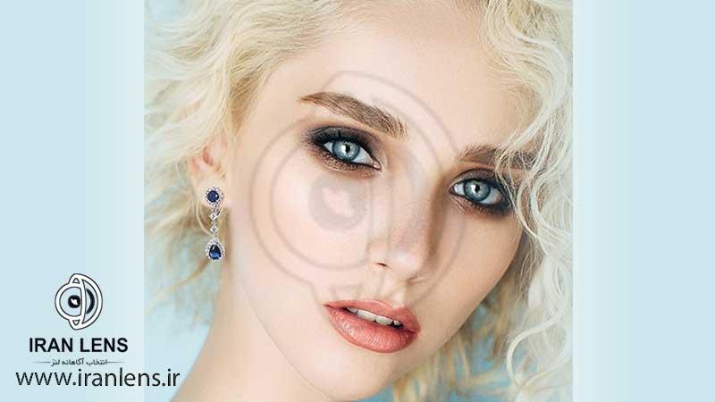 لنز آبی برای موهای روشن و بلوند