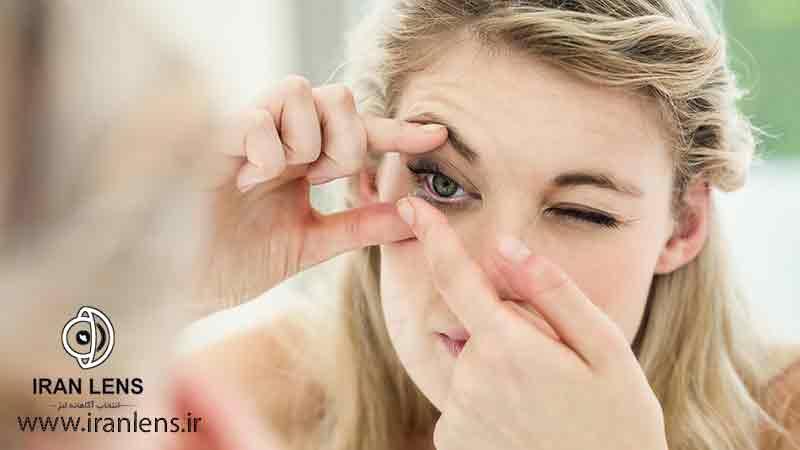 لنز چشم برای دختران چه خطراتی دارد؟